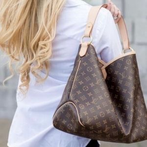 ✨💕DISCONTINUED💕✨Louis Vuitton Delightful MM
